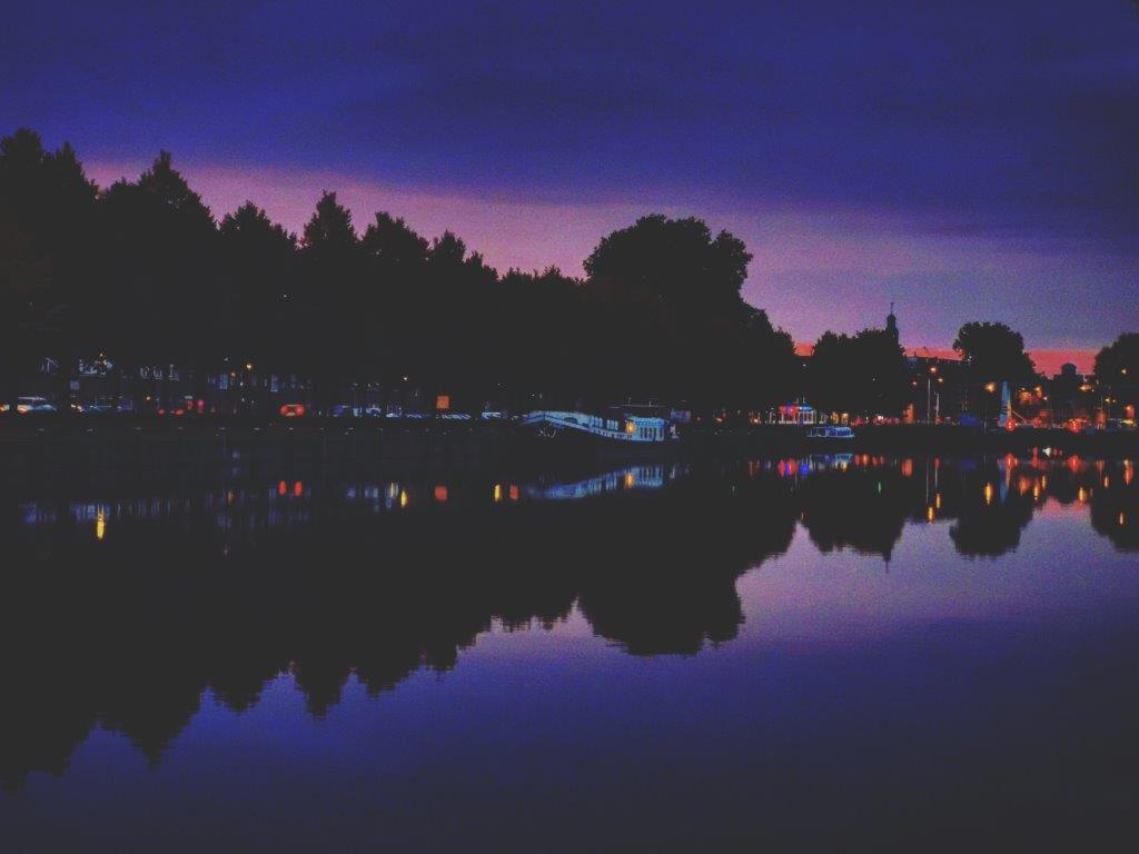 zuid willemsvaart by night